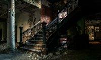 Exploring an abandoned house at night