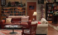 A quiet afternoon in apartment 4A with Sheldon and Leonard