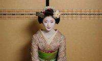 A clean atmosphere for a geisha teahouse.