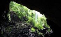 A simple cave delving soundscape.