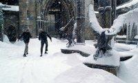 Walking through the Hogwarts Courtyard in December
