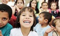 Small crowd, kids voices, school noises