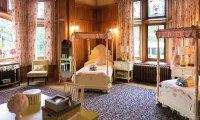 Your Dormroom at Auradon Prep